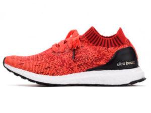 Кроссовки Adidas Ultra Boost мужские красные с черным - фото слева