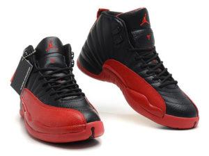 Кроссовки Nike Air Jordan 12 Retro черные с красным мужские - фото спереди