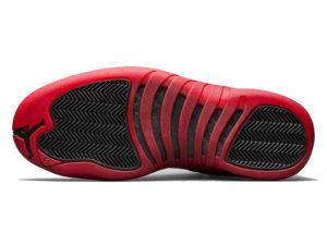 Кроссовки Nike Air Jordan 12 Retro черные с красным мужские - фото подошвы
