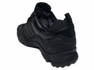Зимние Adidas Terrex Traxion Low черные - фото сзади