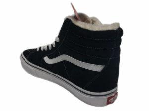 Зимние Vans SK8-Hi черные с белым - фото сзади