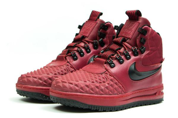 Высокие зимние красные кроссовки