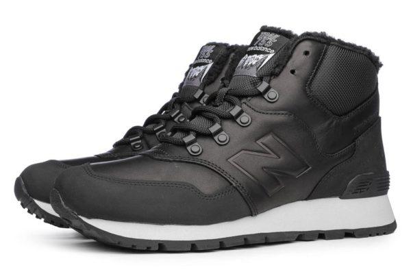 Зимние черные кроссовки