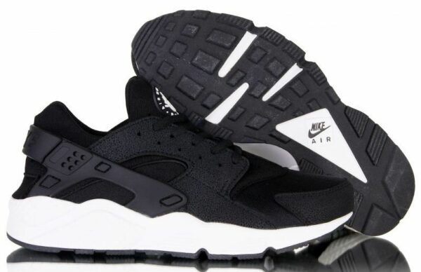 Nike Air Huarache черные с белым (35-45)
