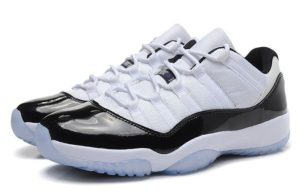 Nike Air Jordan 11 Retro черно-белые (40-45)
