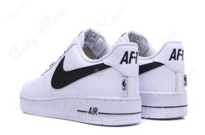 Nike Air Force 1 LV8 белые (35-44)