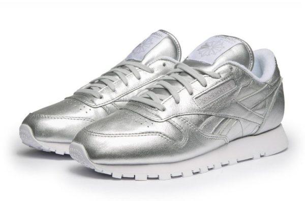 Серебряные кроссовки Reebok