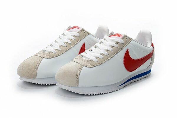Замшевые мужские белые кроссовки