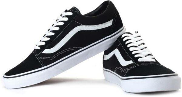 Черные кроссовки 35 размера